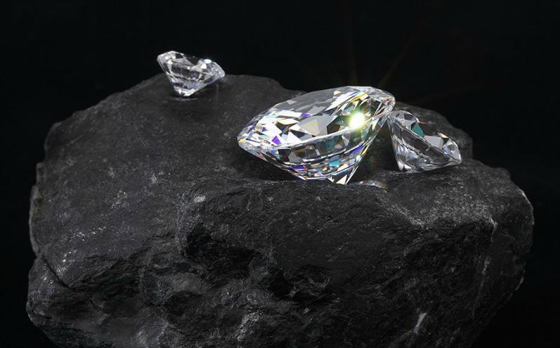 Алмазы и уголь